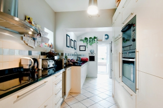 8111966-kitchen02-800