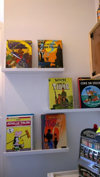 comic books shelves idea
